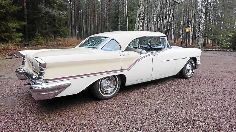 Oldsmobile Ninety Eight 4-dr. ht