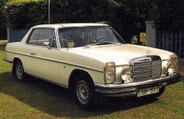mobile_Mercedes Benz 250 CE coupé