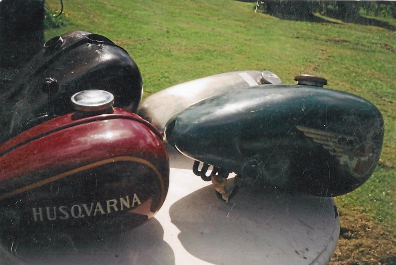 Tankar Husqvarna 120 cc
