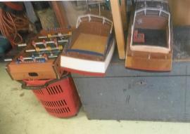 Modellbåtar och snickarverktyg