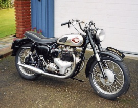 BSA Golden Flach 650
