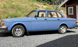 mobile_Volvo 244 DL