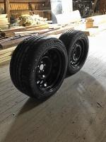 Breddade plåtisar med nya däck