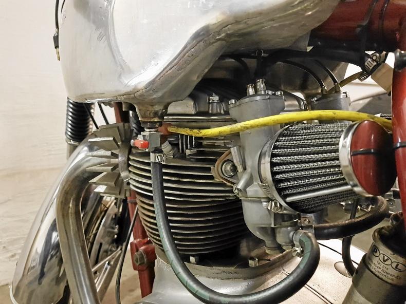 BSA A65 Cafe Racer