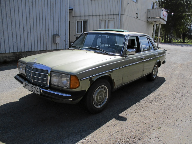 Mercedes-Benz W123 300d