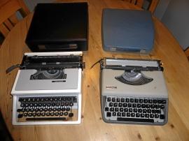2 reseskrivmaskiner