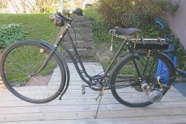 Cykel med hjälpmotor