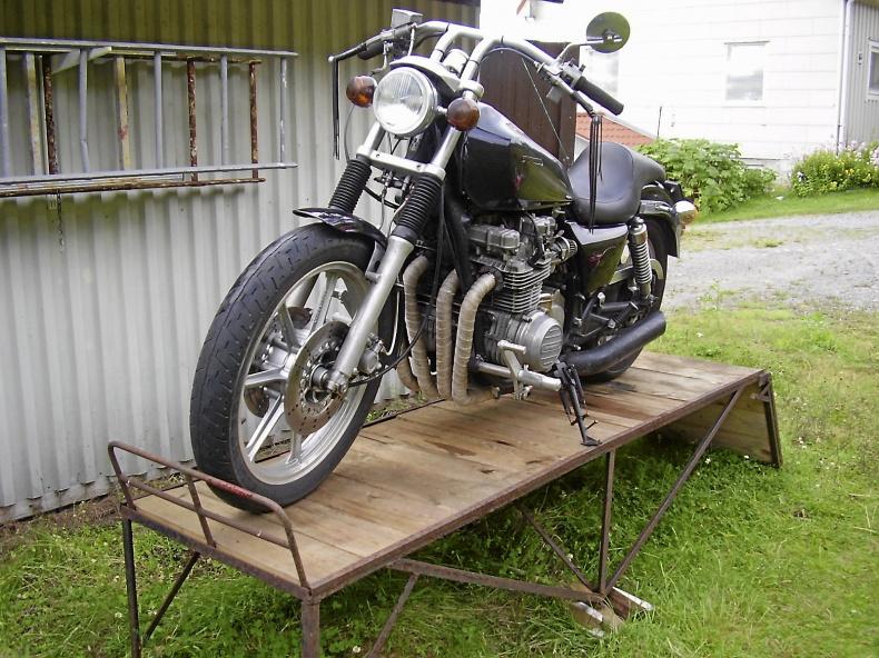 mobile_Kawasaki 650