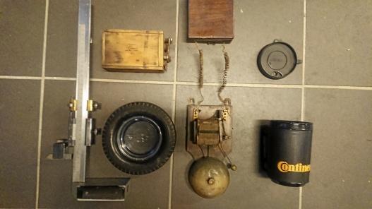 Ritsmått, gammalt Ford batteri i trä