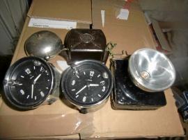 Ringklocka, lampa och bil-ur
