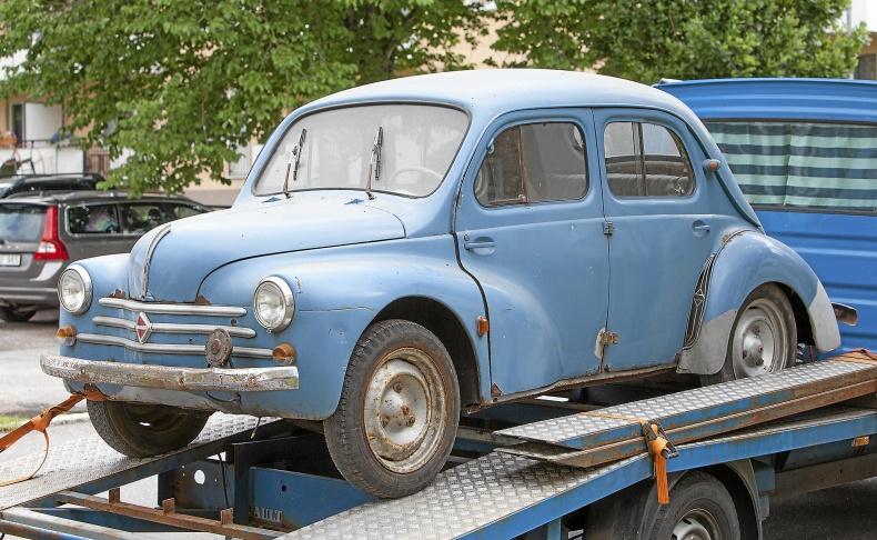 Renault CV 4  Renoveringsobjekt