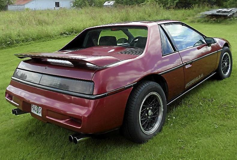 mobile_Pontiac Fiero Formula