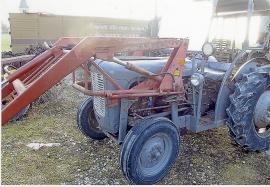 Traktorer säljes