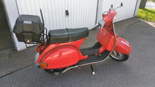 Vespa P200