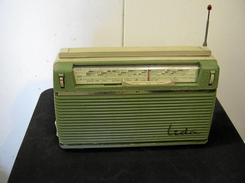 Gammal Blaupunkt transistorradio