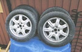 Vinterhjul med aluminiumfälgar