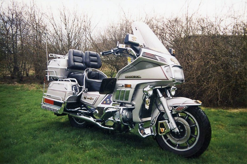 mobile_Honda Gold Wing 1200