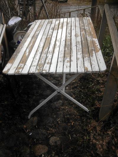 Trädgårdsbord ribbord fällbart i saxtyp
