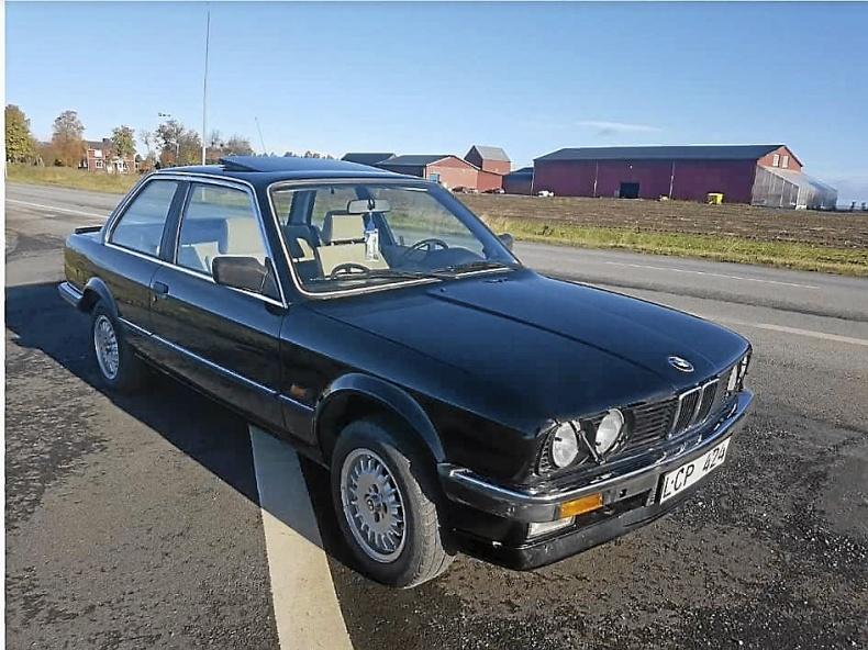 Mycket fin BMW 318 E30