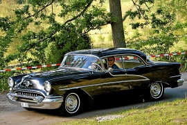 Oldsmobile Holiday 4-dr. ht.