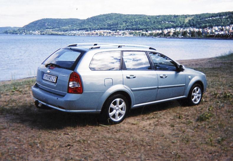 mobile_ Chevrolet Nubira SW 1,6