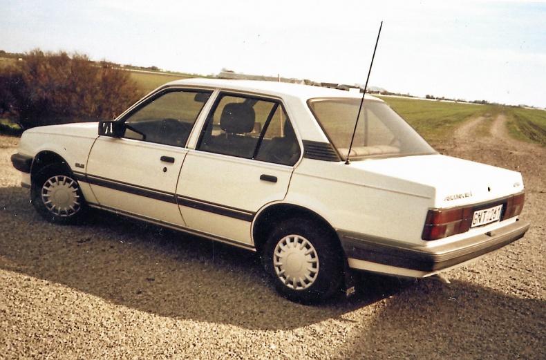 Opel Ascona 1.8i