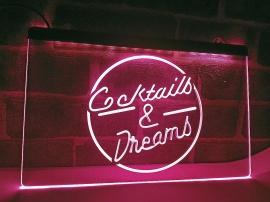 Neon Skylt Cocktails & Dreams!