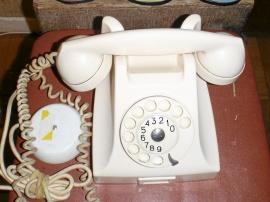 Vit Bakelittelefon