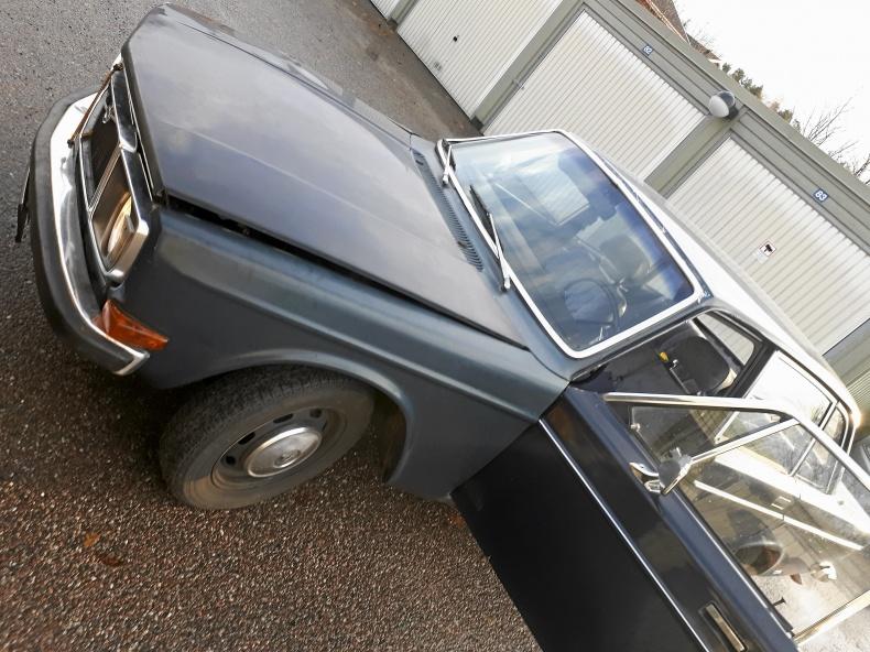 Volvo 144 Deluxe med dragkrok