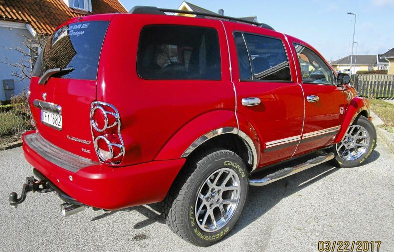 Toppenfin Dodge Durango SLT med 4,6 L V8, låga mil