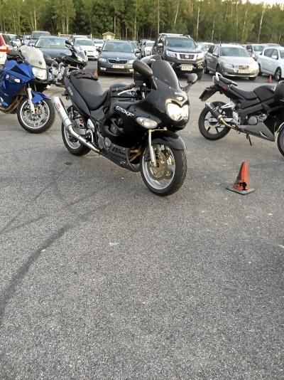 mobile_Suzuki GSX 600F