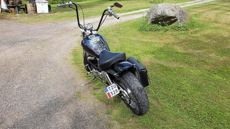 mobile_Suzuki VZ 800 Marauder