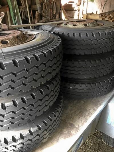 4 st nya däck 10.00-20