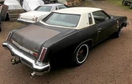 Oldsmobile Cutlass coupe