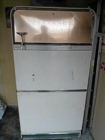Äldre kylskåp från usa