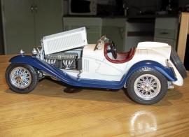 ALFA ROMEO 2300 S V-12 Årmodell 1932 Skala 1:18