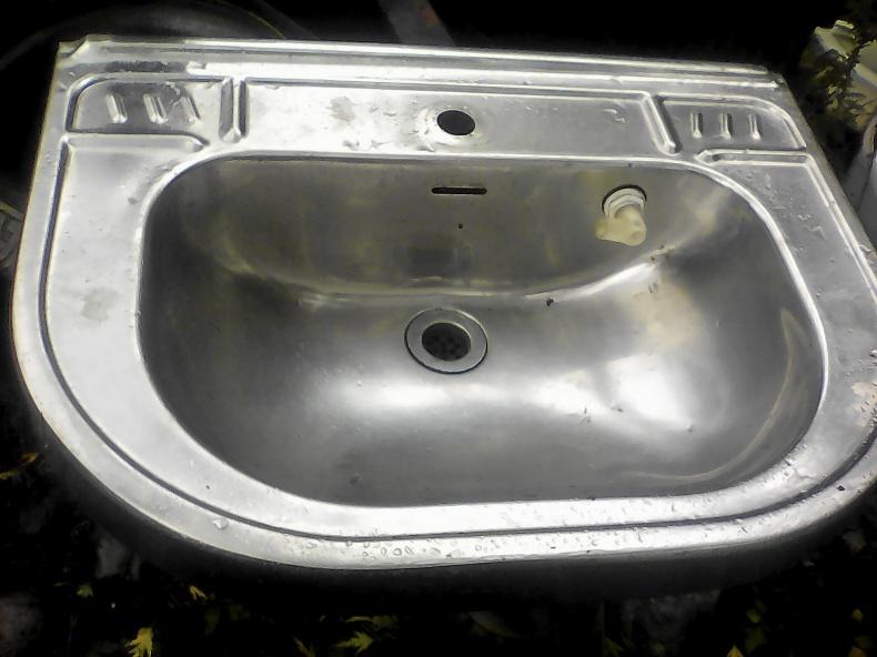 Trappstegsstol, tvättställ, hjulhusbågar VW Golf