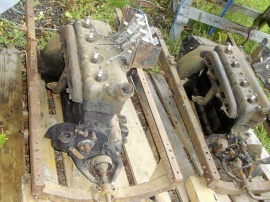 2 st. Ford mod. T motorer.