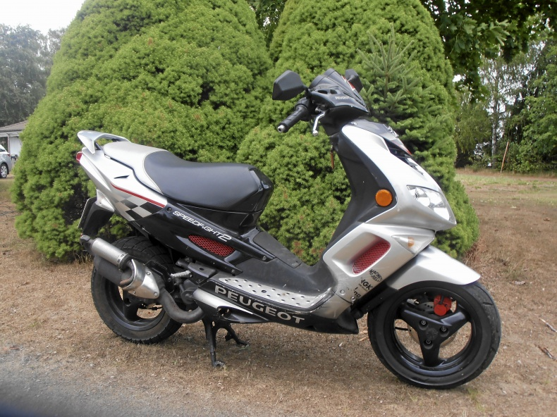 mobile_Peugeot speedfight eu moped