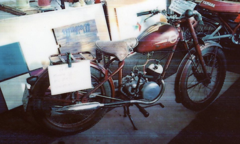 mobile_ Monark M/75 125 cc