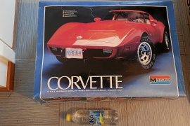 Modellbil Corvette stingray 1978 Skala 1:8