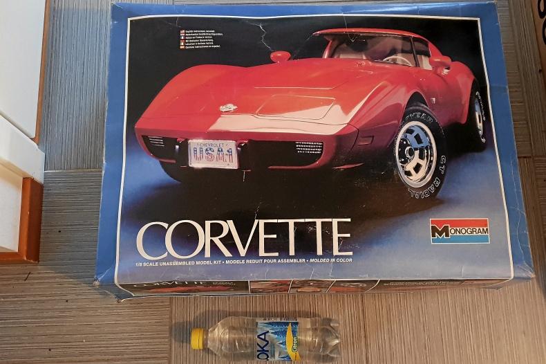 Modellbil Corvette stingray 1978 Skala 1:8