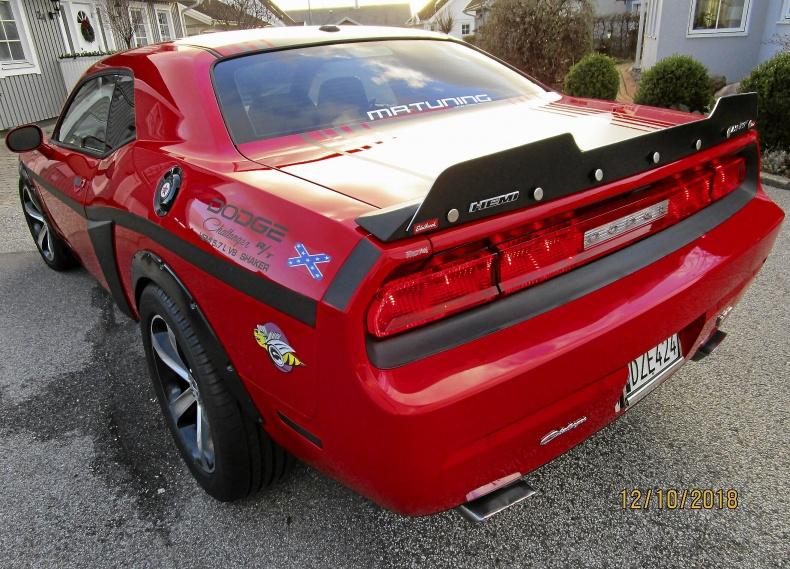 Dodge Challenger R/T Hemi SHAKER 420Hk