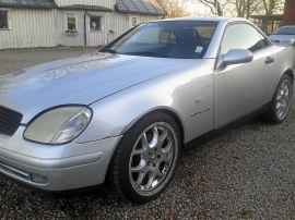 mobile_Mercedes SLK 200