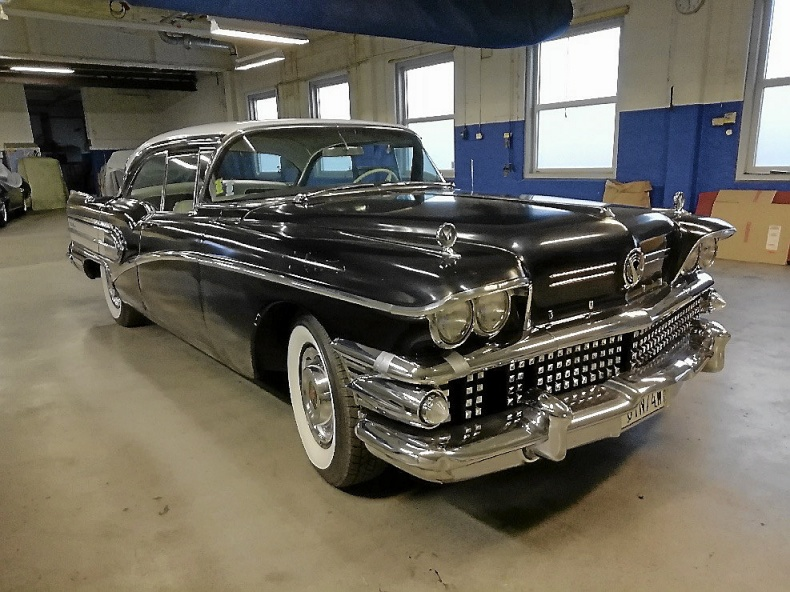 Buick Century 4-dr. Ht