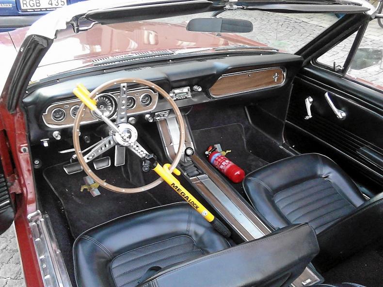 Mustang cab