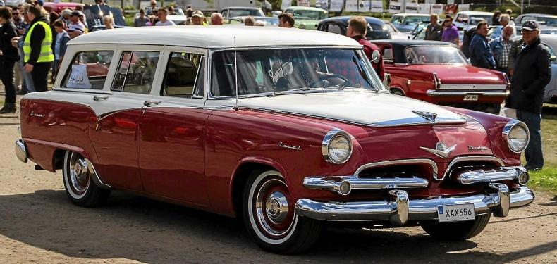 mobile_Dodge Royal Sierra Wagon