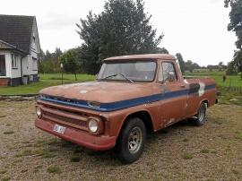 mobile_Chevrolet C1406 omgjord till C10 pickup