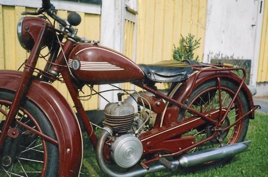 Motorcyklar och mopeder