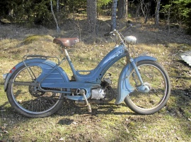 "Moped Victoria ""Vicky"""